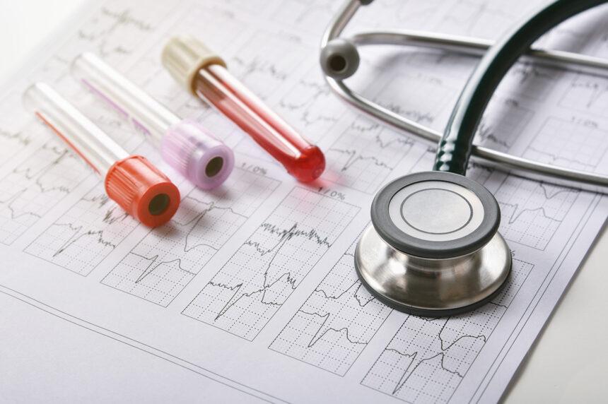 ¿Qué hace el área de hematología en Cancer Center Tec 100?
